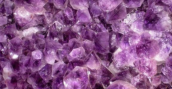 Gemas violetas